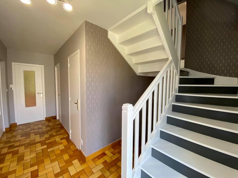 peinture papier peint déco escalier entre