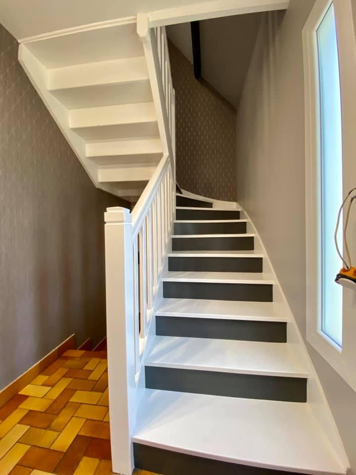 peinture papier peint déco escalier
